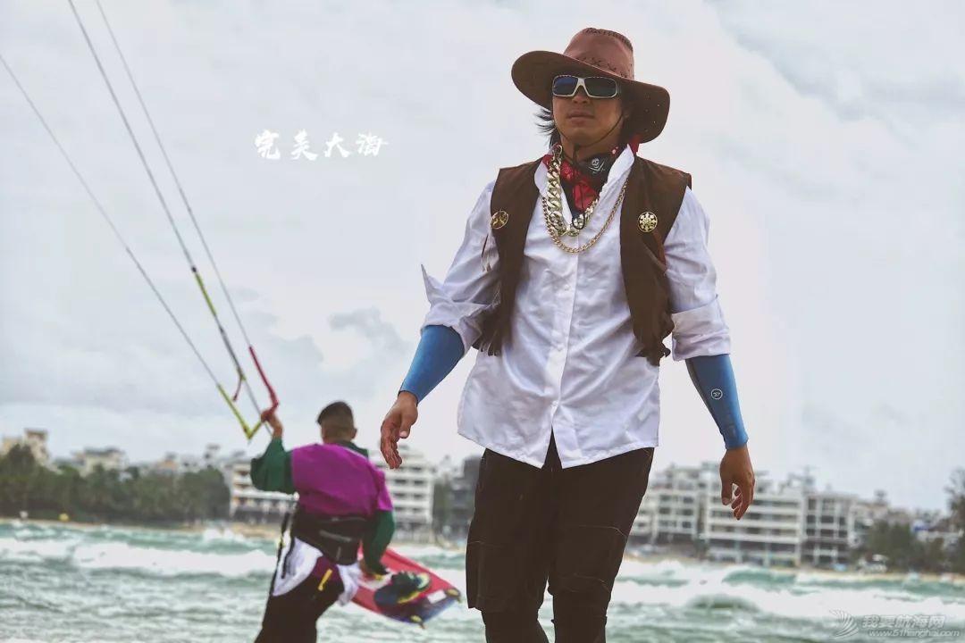 帆船人花式贺新年:首届中国风筝帆板空中飞人装扮赛落幕w24.jpg