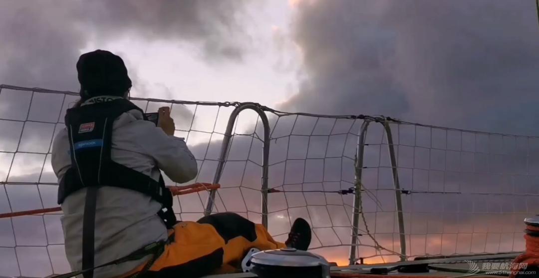 环球帆船上的24小时 | 珠海号大使船员直播分享回顾w18.jpg