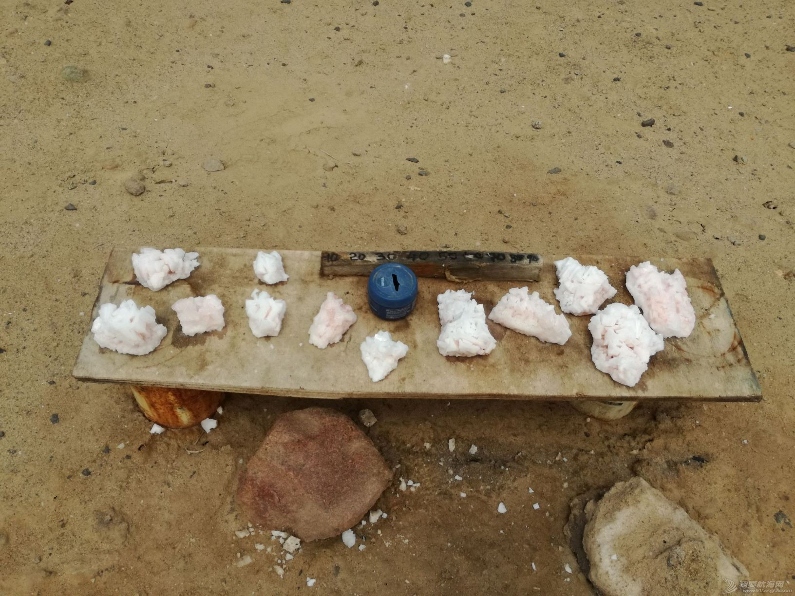 17 Salt crystal stands.jpg