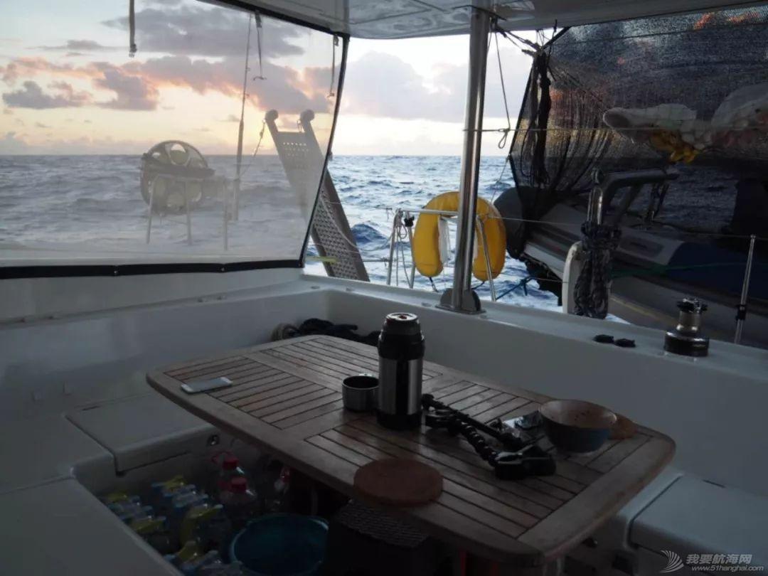 梦想号大溪地航行去汤加寻找鲸鱼的踪迹w6.jpg