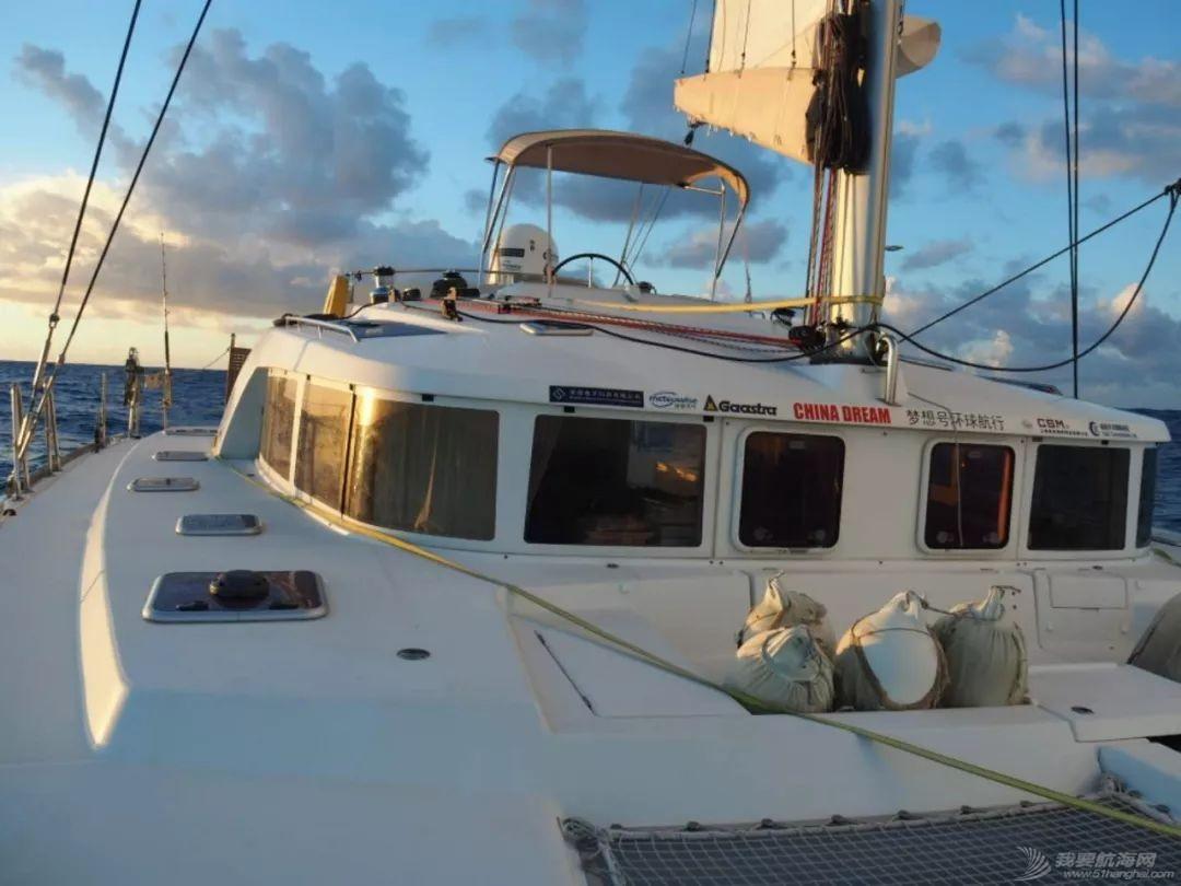 梦想号大溪地航行去汤加寻找鲸鱼的踪迹w5.jpg