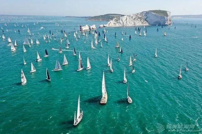 环怀特岛帆船赛:千帆竞发的帆船赛事是如何打造的?| 世界帆船赛事巡礼⑥w8.jpg