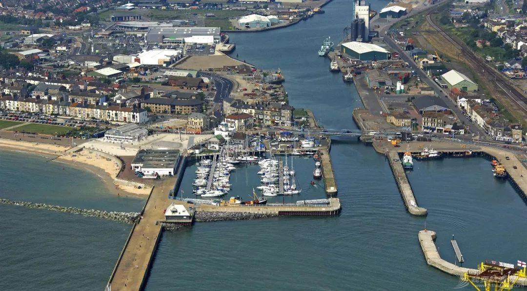 英国游艇码头分布第十四篇,洛斯托夫特w7.jpg