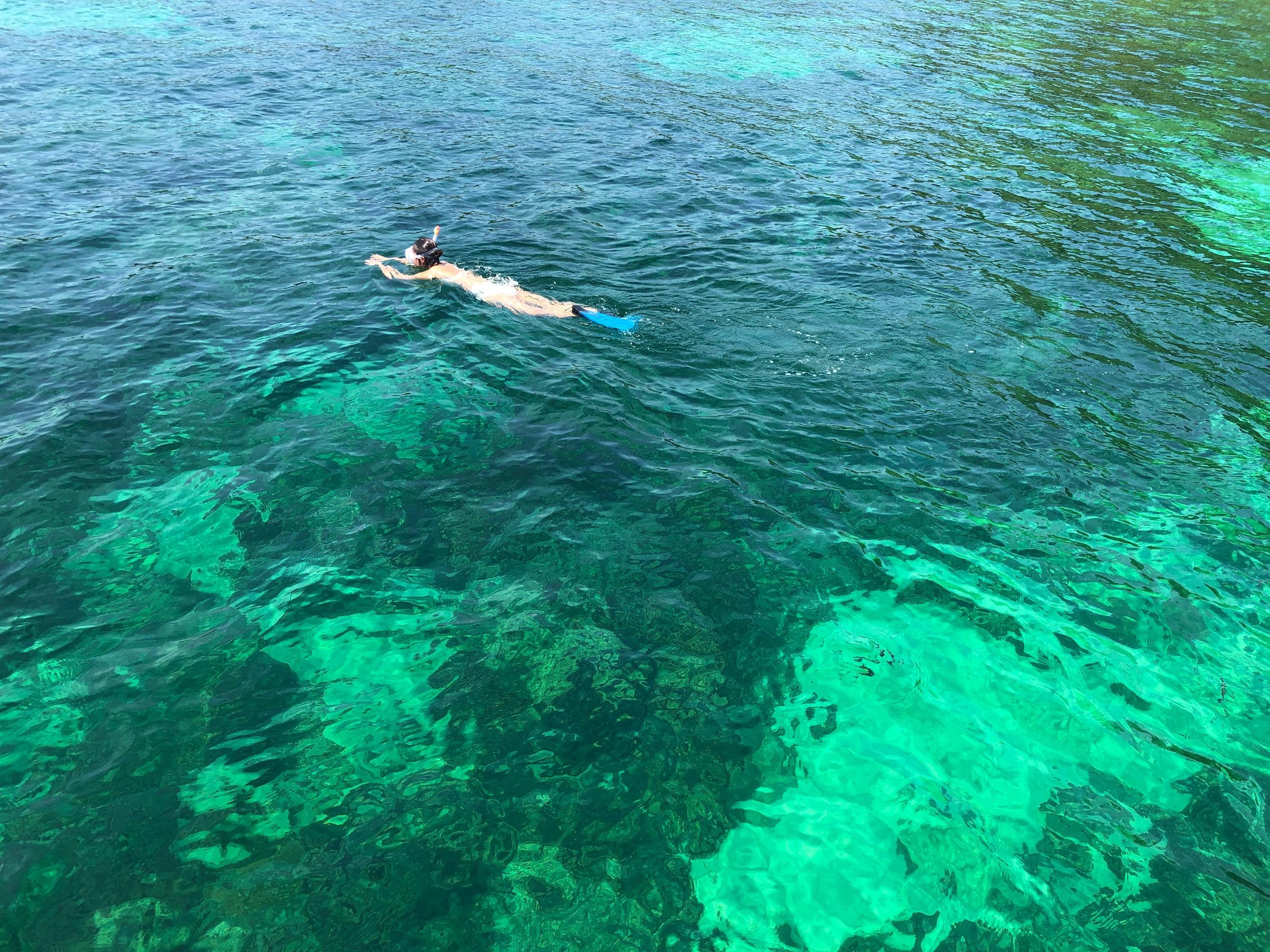 泰国小马尔代夫享用私人海滩