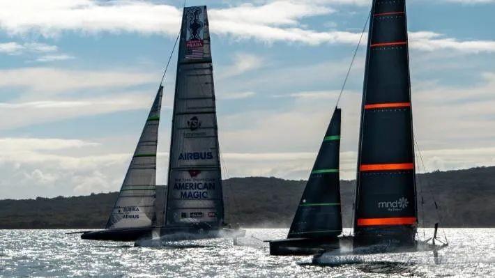 """冤家路窄:新西兰酋长队与美国魔法队在怀特马塔港首次""""对决""""w1.jpg"""