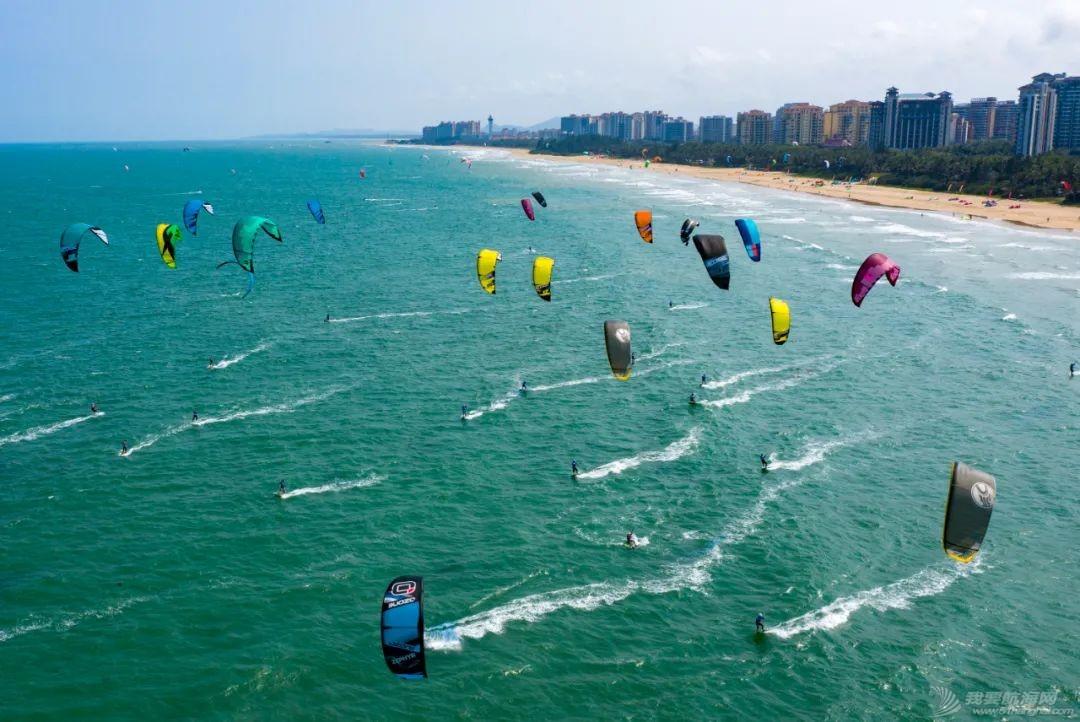 中国体育彩票2021年全国风筝板冠军赛开赛 百余名选手逐浪博鳌w6.jpg
