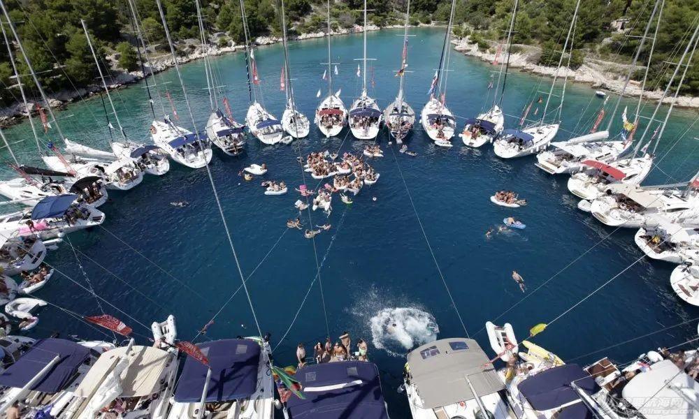 海有很多颜色,就像帆船航海度假不止一种类型w8.jpg
