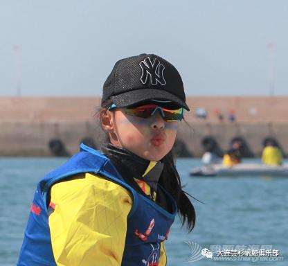 玩帆船的女孩都什么样?w13.jpg