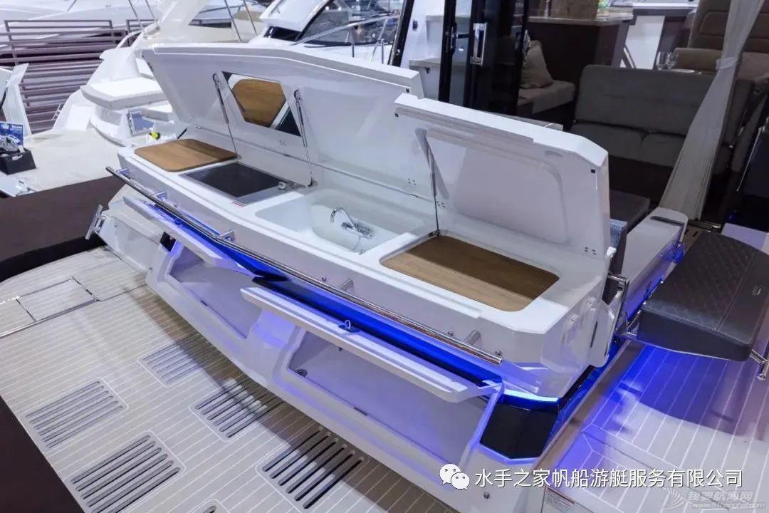 【21年现货】海上变形金刚-双侧甲板可打开的40尺飞桥游艇w6.jpg