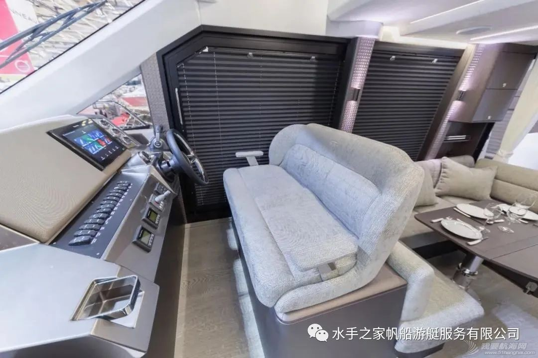【21年现货】海上变形金刚-双侧甲板可打开的40尺飞桥游艇w10.jpg