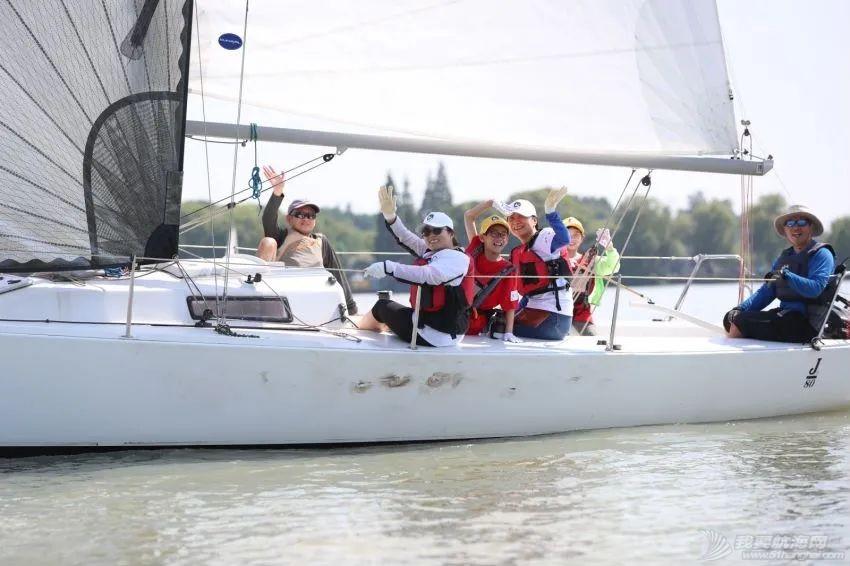 赛领周报丨交大EMBA帆船俱乐部举办公益活动;SailGP第二站结束;斯蒂芬爵士从新西兰酋长队正式退休;欧洲夏季赛第二赛段启航w18.jpg