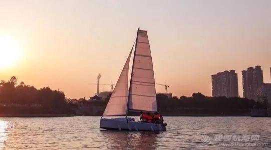 赛领周报   水翼帆船冠军赛登陆央视《中国席位》;宜兴内河帆船联赛竞赛通知发布;海牙将于2023年成为帆船之都;w3.jpg