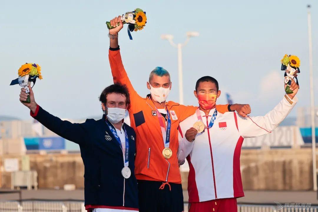 东京奥运会中国女子帆板夺金!男子帆板摘铜创历史!w2.jpg