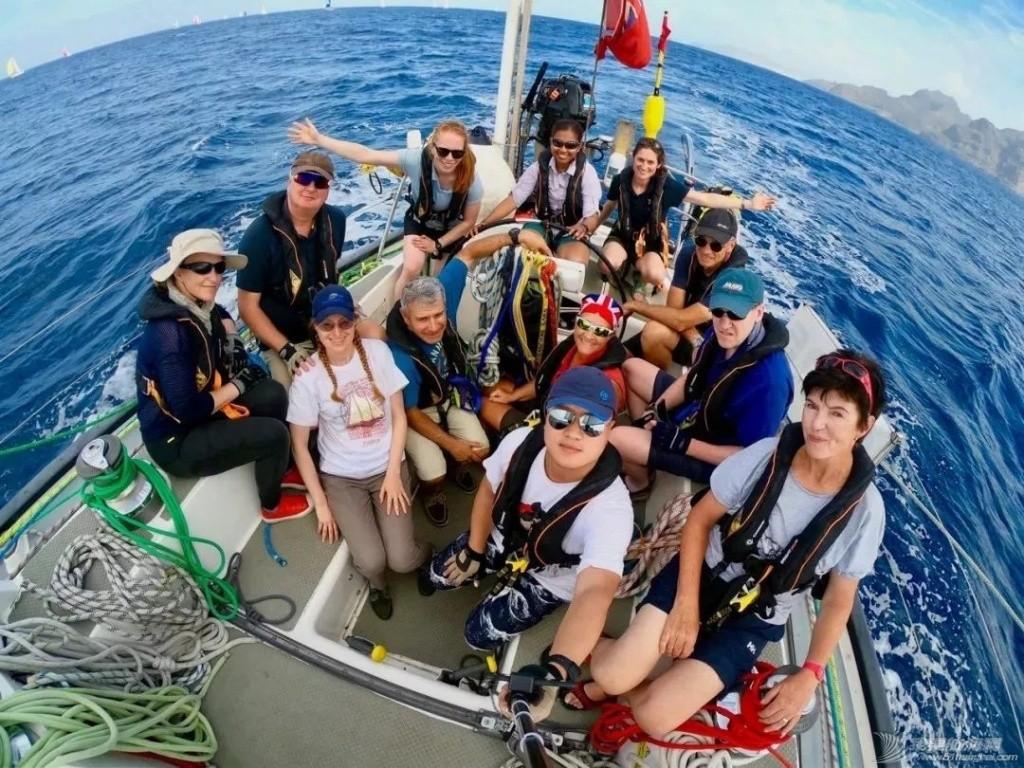 """【转载】为了诗与远方,他靠""""滴滴打船"""",终于完成环球帆船旅行!"""