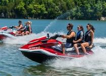 2020年水上运动将这样发展,玩摩托艇的人真有前途!